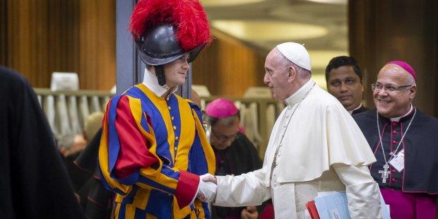 pasukan garda swiss dan paus